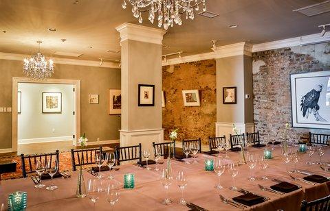 Vendue Inn - The Gallery Room