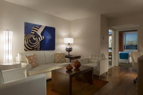 Radisson Hotel & Suites Austin Downtown - Suite