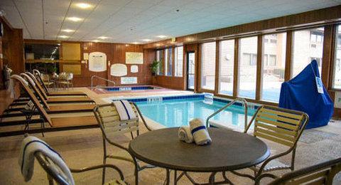 Courtyard Fort Wayne Hotel - Pool