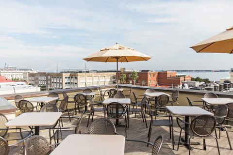 Vendue Inn - Rooftop Bar   Restaurant