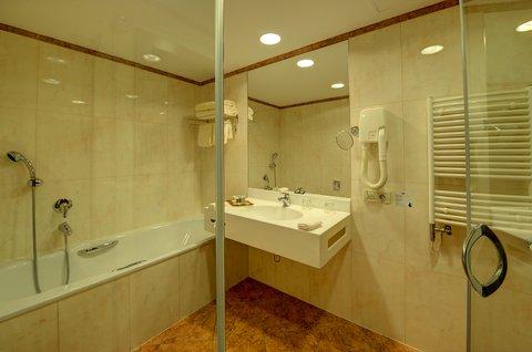 Jalta Hotel - Jalta Bathroom