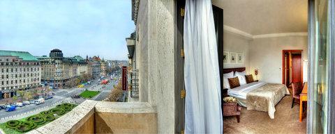 Jalta Hotel - View of the Prague and Wenceslas Square