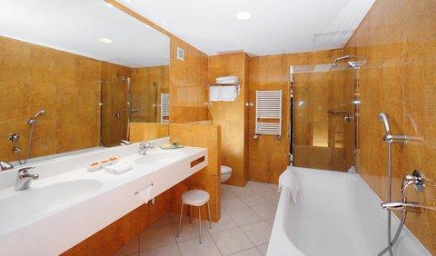 Jalta Hotel - Bathroom