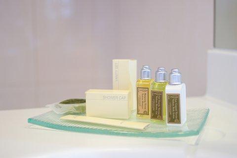 Jalta Hotel - L OCCITANE Cosmetics Amenities