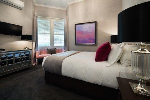 The Dudley Boutique Hotel - Deluxe Queen - Bedroom