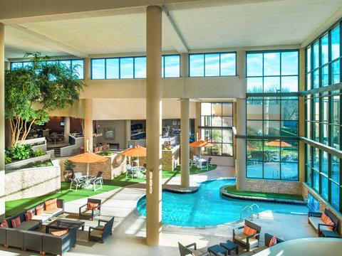 Sheraton Charlotte Airport Hotel - Pool