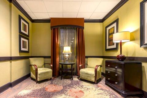Holiday Inn Express ATLANTA AIRPORT-COLLEGE PARK - Lobby Lounge