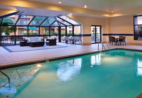 哥伦布沃辛顿万怡酒店 - Indoor Pool