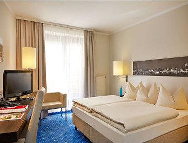 فندق رامادا هامبورغ بيرجيدورف - Superior King Bed Room