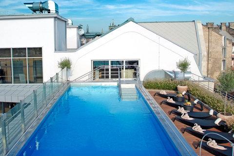 Continental Hotel Zara - Rooftop Pool