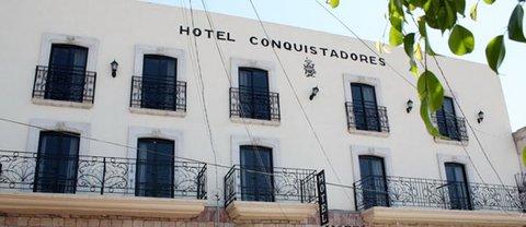 Hotel Conquistadores - EXTERIOR