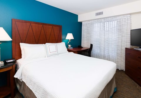 Residence Inn Baton Rouge Towne Center at Cedar Lodge - Two Bedroom Suite - Sleeping Area