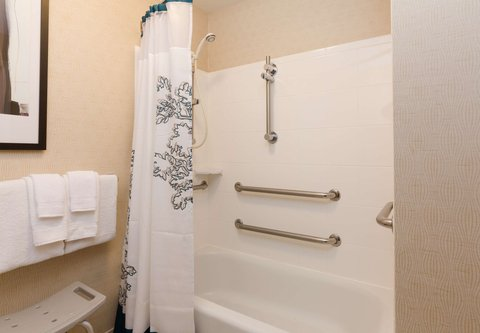 Residence Inn Baton Rouge Towne Center at Cedar Lodge - Accessible Suite Bathroom