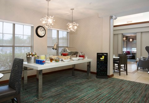 Residence Inn Baton Rouge Towne Center at Cedar Lodge - The Mix