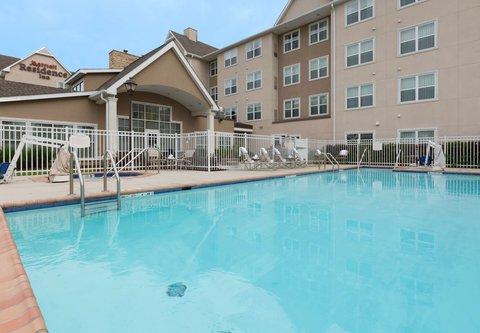 Residence Inn Baton Rouge Towne Center at Cedar Lodge - Outdoor Pool