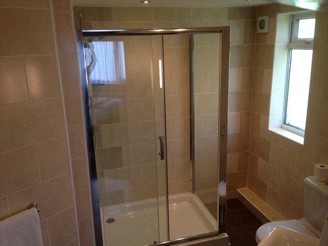 Great Barr Hotel - Exec Db Bathroom