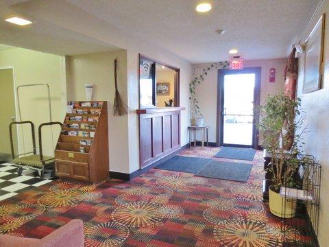 Country Hearth Inn Decatur - Lobby