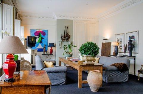 Hotel 717 - Picasso