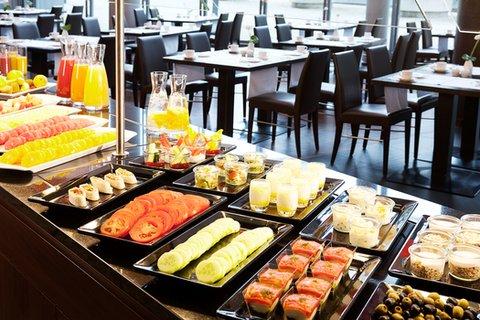 NH Düsseldorf City - Buffet Breakfast