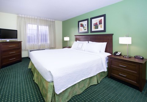 TownePlace Suites Boise Downtown - One-Bedroom Suite Sleeping Area