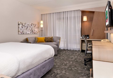Courtyard Dallas LBJ at Josey - King Guest Room