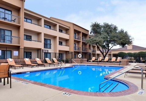 Courtyard Dallas LBJ at Josey - Outdoor Pool