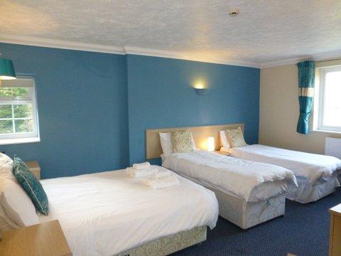 Lyncombe Lodge Hotel - Family Bedroom