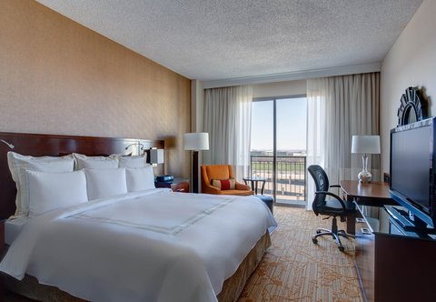 Dallas/Plano Marriott at Legacy Town Center - PURE King Guest Room