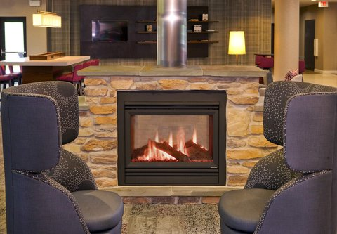 Courtyard Gettysburg - Fireplace