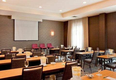 Courtyard Gettysburg - Meeting Room - Classroom Setup