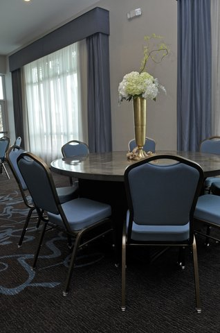 Staybridge Suites ST. PETERSBURG DOWNTOWN - Our Chef will customize menus for any event
