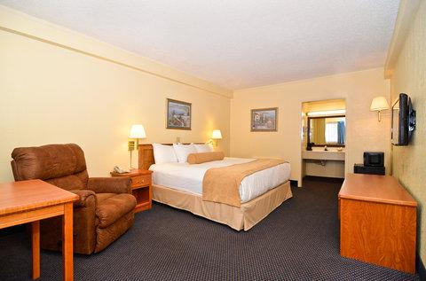Americas Best Value Inn Goodland - One King Bed Deluxe