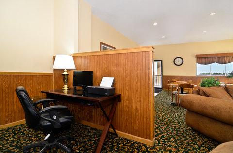 Americas Best Value Inn Goodland - Business Center