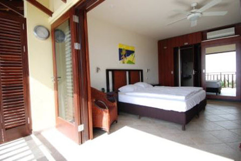 Lions Dive and Beach Resort - ROOM 2