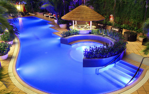 Caravelle Hotel - Swimming pool At Caravelle Saigon Ho Chi Minh