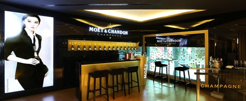Caravelle Hotel - ChampagneCorner at Caravelle Saigon Ho Chi Minh