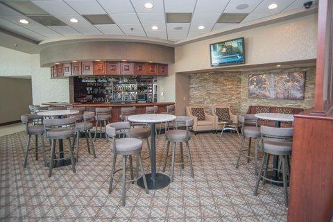 DoubleTree by Hilton Bloomington - Lobby Bar