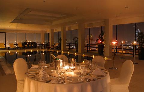 ريجنسي بالاس عمان - 20th Floor Pool at Regency Palace Amman