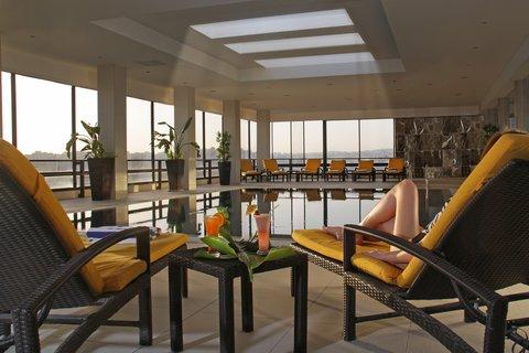 ريجنسي بالاس عمان - Indoor Pool at Regency Palace Amman