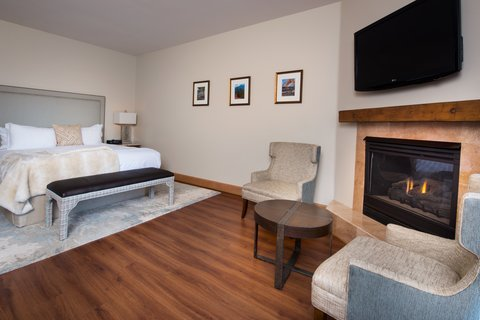 Garden of the Gods Club and Resort Colorado Springs - King Deluxe Suite