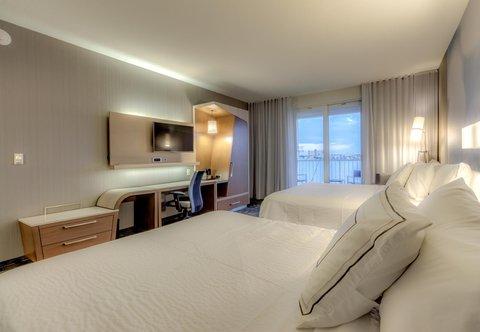 Courtyard St. Petersburg Clearwater/Madeira Beach - Queen Queen Guest Room