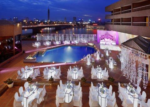 拉姆西斯希爾頓酒店 - Outdoor Pool Terrace Wedding at Night