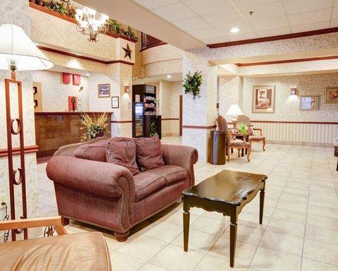 Comfort Suites Waco - Hotel Lobby