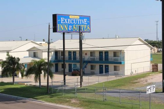 EXECUTIVE INN AND SUITES SAN BE
