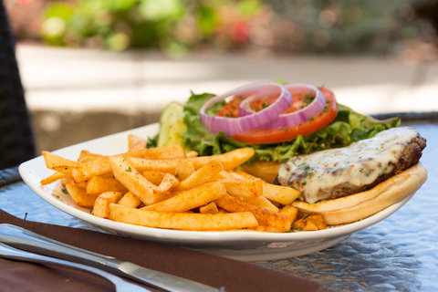 Holiday Inn Resort DAYTONA BEACH OCEANFRONT - Cheeseburger and French Fries Lunch Entree