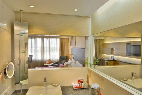 The Gateway Hotel Akota - Bathroom Executive Room