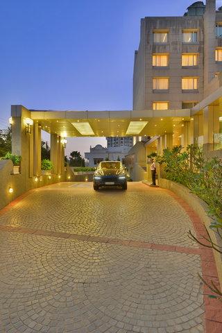 The Gateway Hotel Akota - Exterior