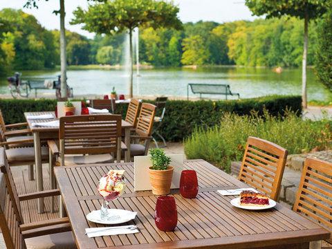 Leonardo Royal Hotel Köln - Am Stadtwald - Terrace