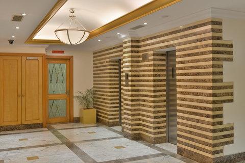 The Gateway Hotel Akota - Lobby