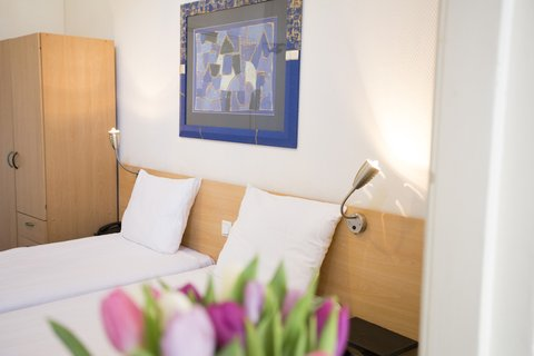 Quentin England Hotel - Standard Triple